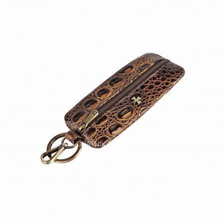 Ключница VASHERON 9275-N.BAMBINO OLIVEКлючницы<br>Футляр для ключей из натуральной телячьей кожи на молнии с карабином и кольцом для ключей. Внутри кольцо для ключей на кожаном ремешке. Подходит для длинных ключей.<br>Материал: Натуральная кожа; Цвет: Желтый, Коричневый; Пол: Мужской; Артикул: 9275-N.Bambino Olive;